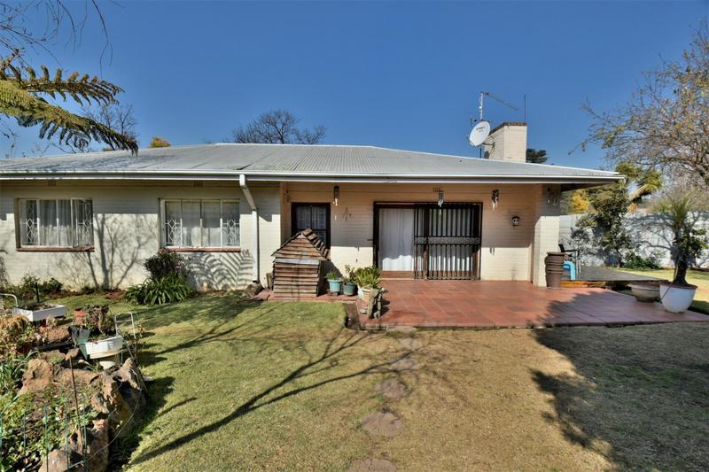 Property For Sale in Sandringham, Johannesburg 14