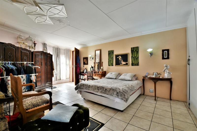 Property For Sale in Sandringham, Johannesburg 18