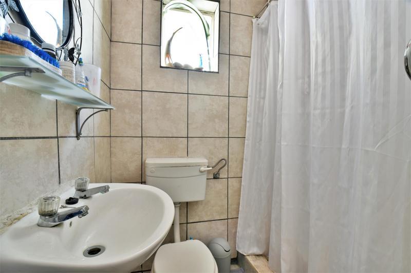 Property For Sale in Sandringham, Johannesburg 25