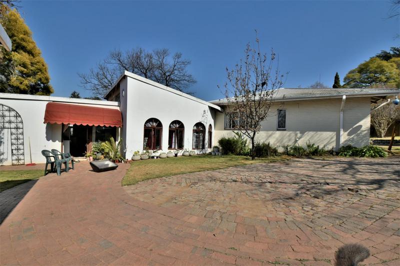 Property For Sale in Sandringham, Johannesburg 26