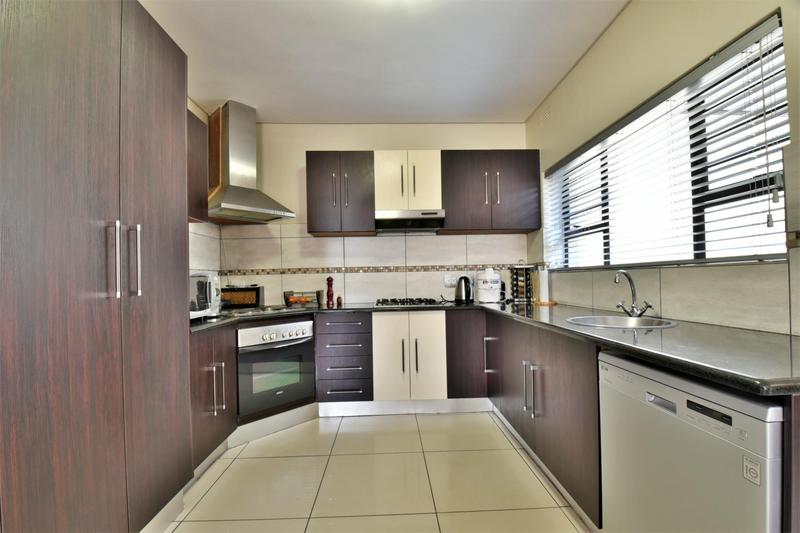 Property For Sale in Norwood, Johannesburg 11
