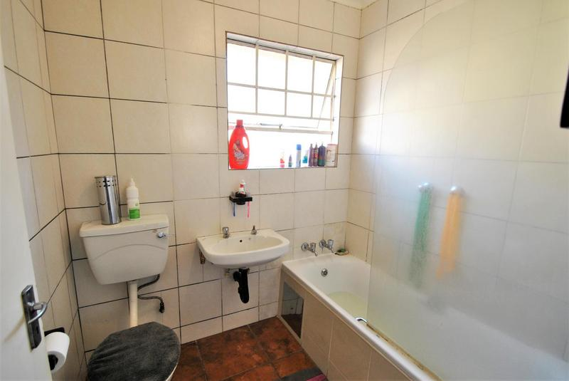 Property For Sale in Alan Manor, Johannesburg 7