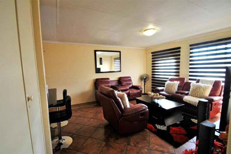 Property For Sale in Alan Manor, Johannesburg 3