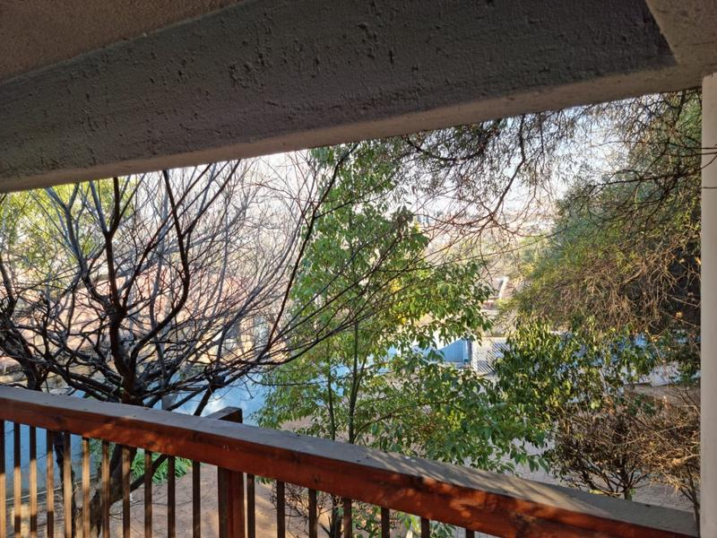 Property For Sale in Oakdene, Johannesburg 19