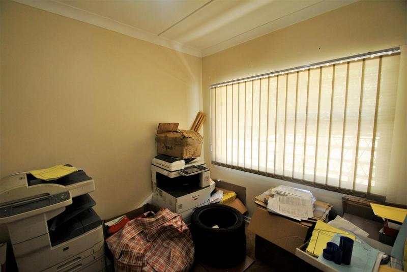 Property For Sale in Constantia Kloof, Roodepoort 7