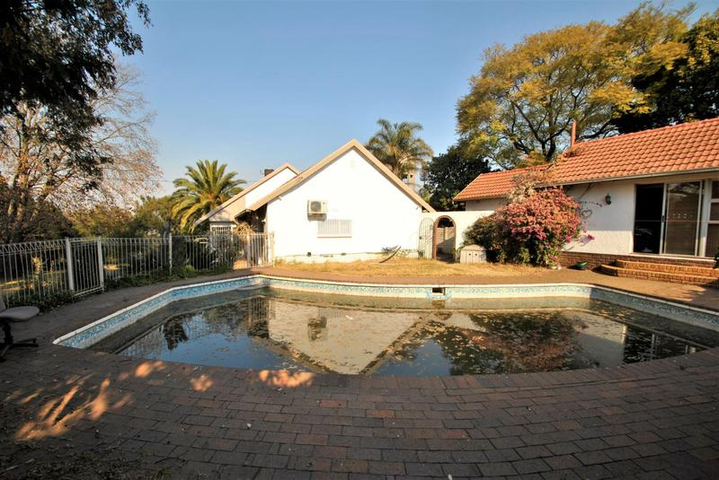 Property For Sale in Constantia Kloof, Roodepoort 16