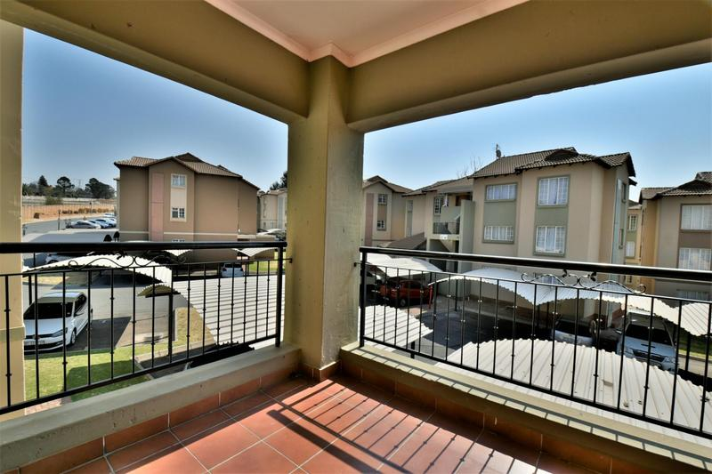Property For Sale in Meredale, Johannesburg 11