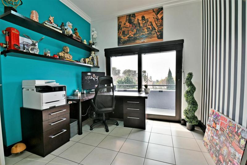 Property For Sale in Fourways, Sandton 11