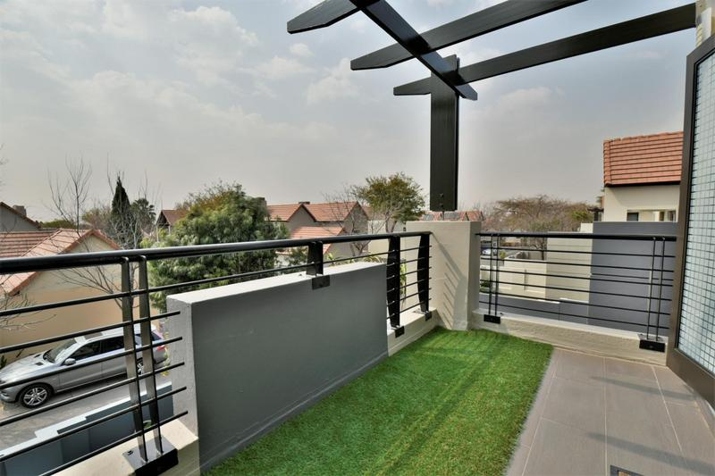 Property For Sale in Fourways, Sandton 14