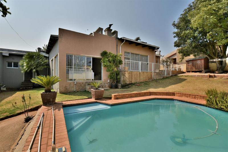Property For Sale in Naturena, Johannesburg 16