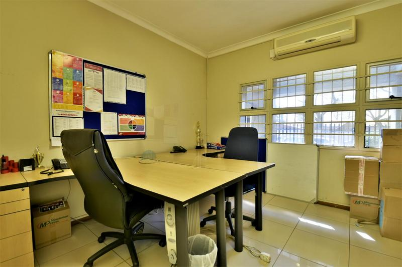 Property For Sale in New Redruth, Alberton 7