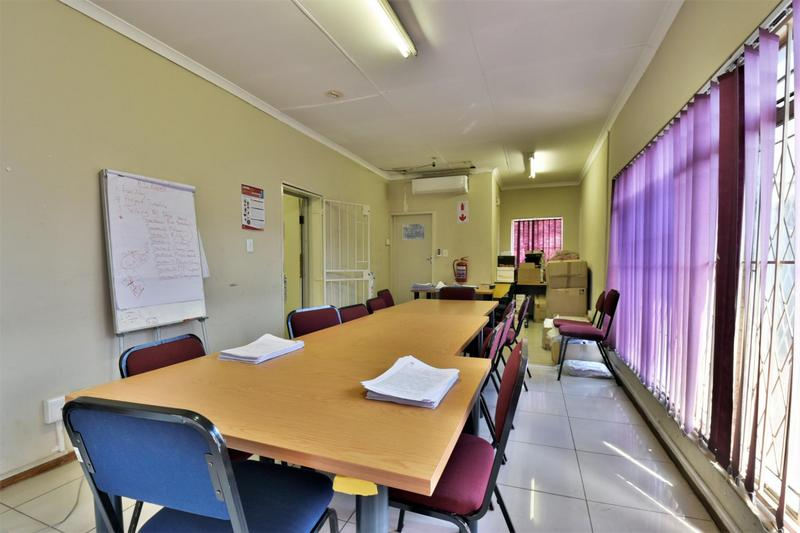 Property For Sale in New Redruth, Alberton 9