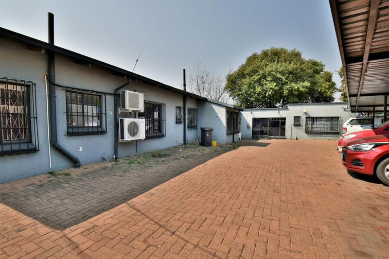 Property For Sale in New Redruth, Alberton 16