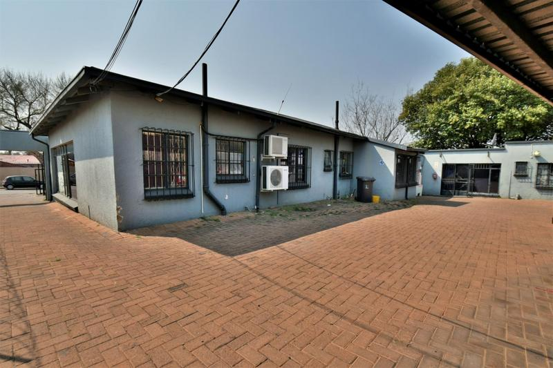Property For Sale in New Redruth, Alberton 17