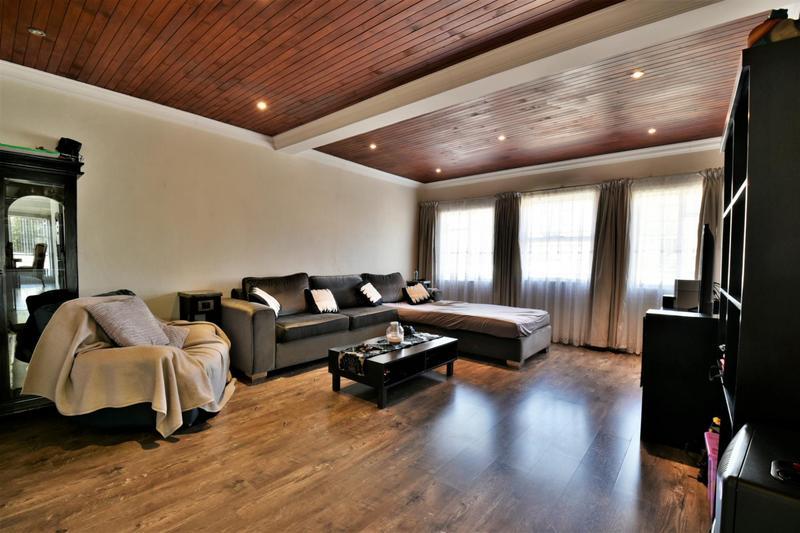 Property For Sale in Randhart, Alberton 9