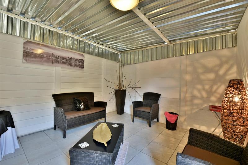 Property For Sale in Oakdene, Johannesburg 30