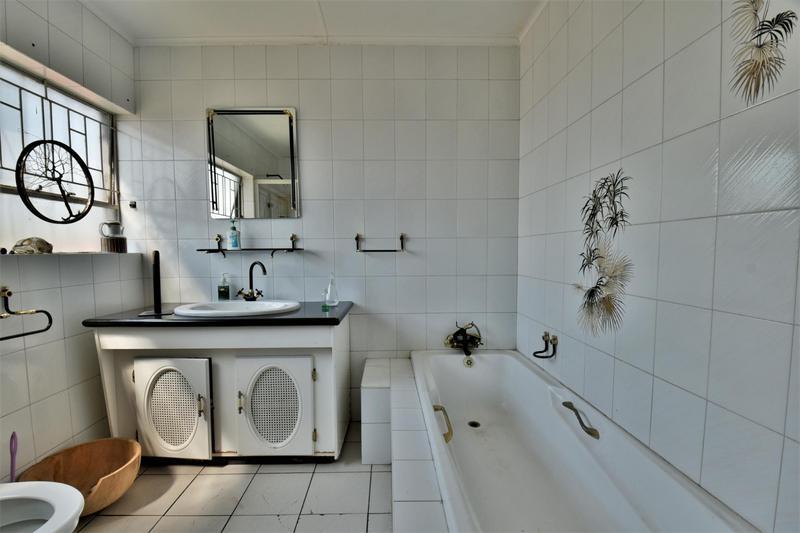 Property For Sale in Albertville, Johannesburg 9