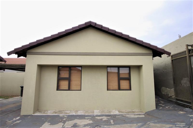 Property For Sale in Ormonde, Johannesburg 20