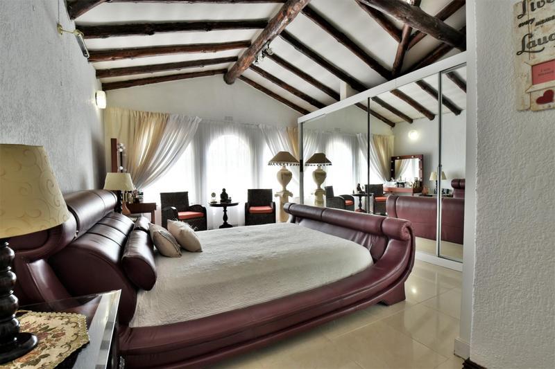 House For Sale in Glenvista, Johannesburg