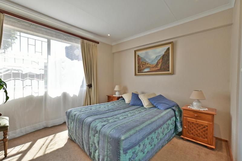 Cluster House For Sale in Glenanda, Johannesburg
