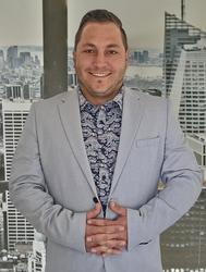 Kolden Kourie, estate agent